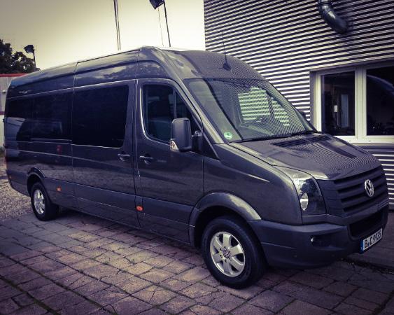 Tourbus Van und Artist Shuttle von Kontraschall Berlin